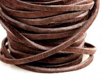 Замшевый мягкий шнур отличного качества  шириной 3/32 in, двусторонний (ворс с двух сторон), ширина/толщина 1.8х2.4 мм.
