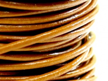 Шнур кожаный 2 мм, цвет - коричневый