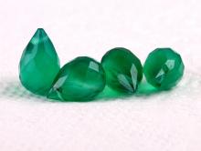 Бусина средняя огранённый бриолет, форма капля граненая, камень натуральный-хризопраз, цвет-изумрудно-зеленый,
