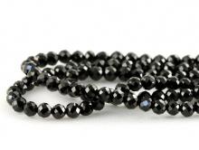 Бусины шарики круглой формы, огранённые, натуральный камень–шпинель черная.Цвет-черный, огранка с хорошей игрой граней,