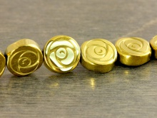"""Бусины камень-натуральный гематит тонированный. Форма-""""роза резная"""" плоская,"""