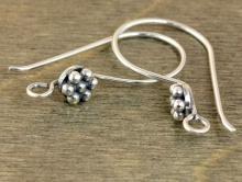 Швензы серебряные чернёные ручной работы, размер-28х15х1.0 мм. ширина декоративной части-цветка 5.5 мм