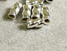 Товар-кримпы декоративные из серебра Размер д/ш- 3х1.5 мм. Вн. отверстие.-1.1 мм.