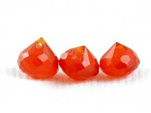 Бусина ручной огранки, форма-луковка, натуральный камень-сердолик.Цвет-сочный оранжевый, полупрозрачный.
