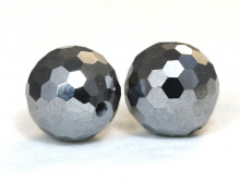 Бусина огранённая круглая, натуральный камень марказит. Цвет-серый тёмный с сильным серебристым металлическим блеском