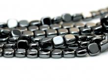 Бусины-гематит натуральный, форма бусин-прямоугольная. Цвет-черный с металлическим блеском.