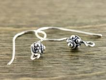 Декоративные швензы серебряные, ручная работа, материал-стерлинговое серебро 925 (92.5% чистого серебра). Размер-общая высота 19 мм.