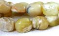 Бусина гладкая, камень натуральный-хризопал (празопал, зелёный опал), цвет-тёплый зелёный 2-3 тона, с янтарным, молочным оттенком,