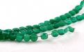 хризопраз натуральный, форма бусин-таблетка огранённая.