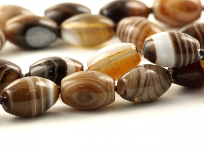 "Бусина гладкая форма ""бочонок"", камень-агат натуральный,гладкий,размер–12х8 мм."