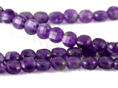 Камень-аметистнатуральный, форма бусин-таблетка огранённая.Цвет-фиолетовый с красноватым оттенкомсочный