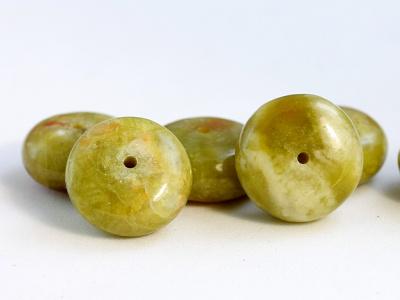 Бусина рондель гладкая, камень натуральный-хризопал (празопал, зелёный опал), цвет-неоднородный тёплый зелёный